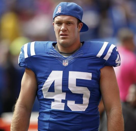 Colts agree to terms on extension for long snapper Matt Overton ...