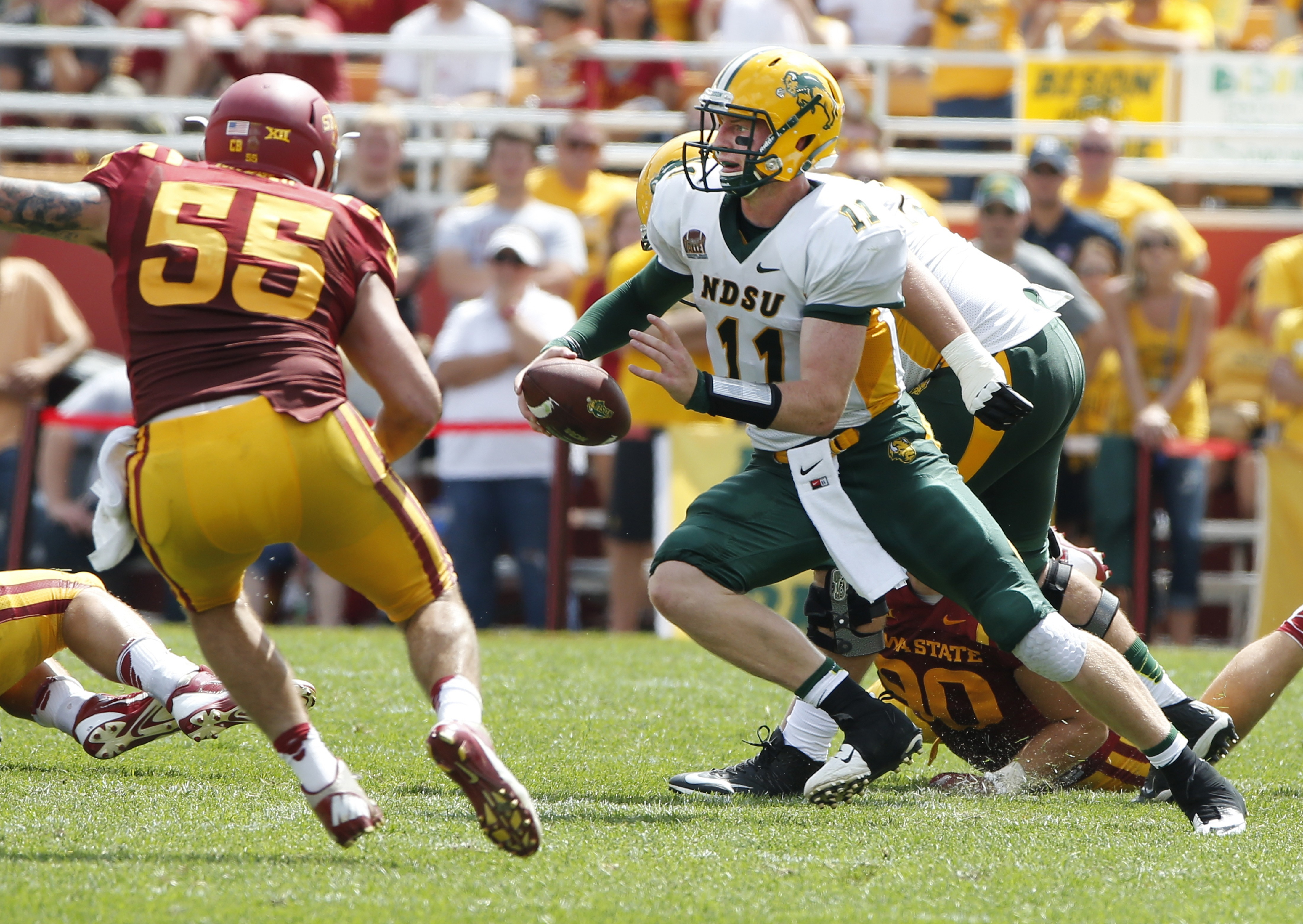 North Dakota State Coach Says Wentz Ran An Nfl Like Offense