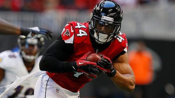 Vic Beasley reports to Titans