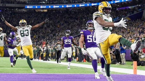 Aaron Jones Rushes For Two Tds As Packers Clinch Division With 23 10 Win Over Vikings Profootballtalk