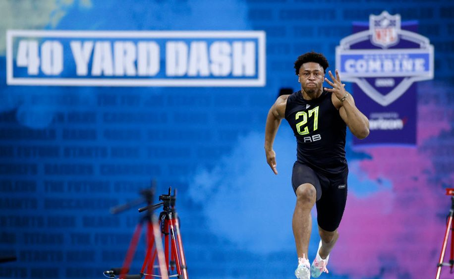 Jonathan Taylor blazes the 40 yard dash in 4.41 seconds