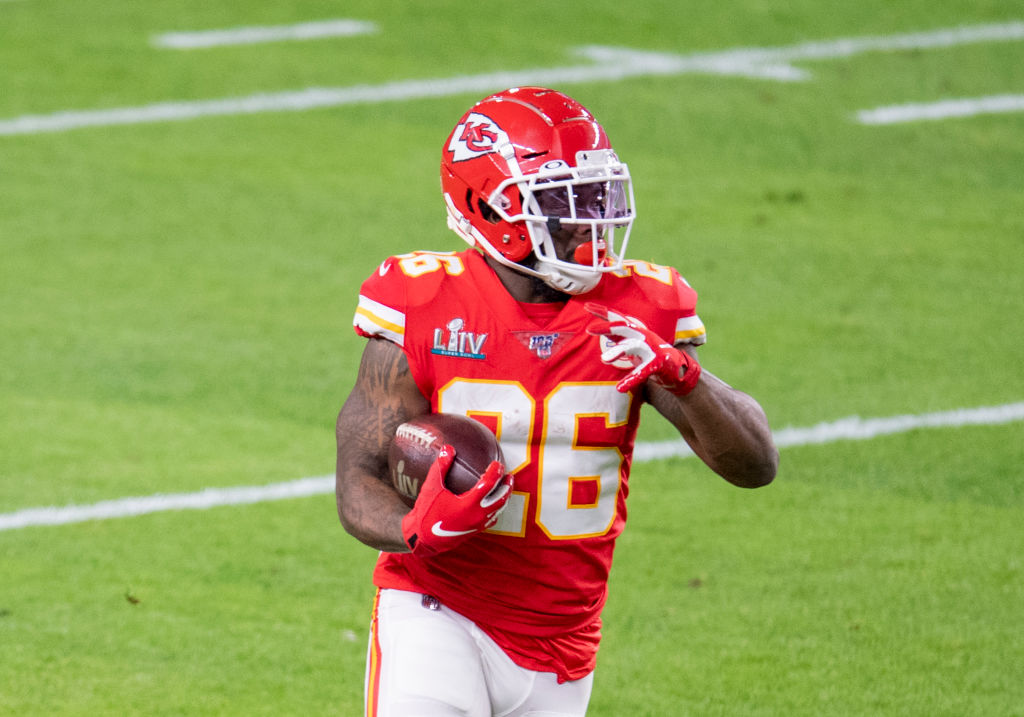 Damien Williams Mom S Cancer Diagnosis Led To Decision To Opt Out Profootballtalk