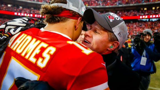 Chiefs will begin contract talks with Patrick Mahomes this ...