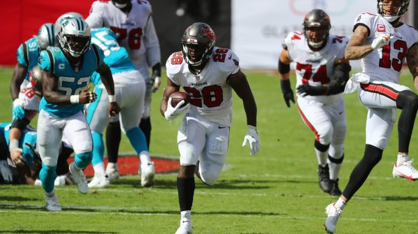 Bucs aren't switching up running back rotation