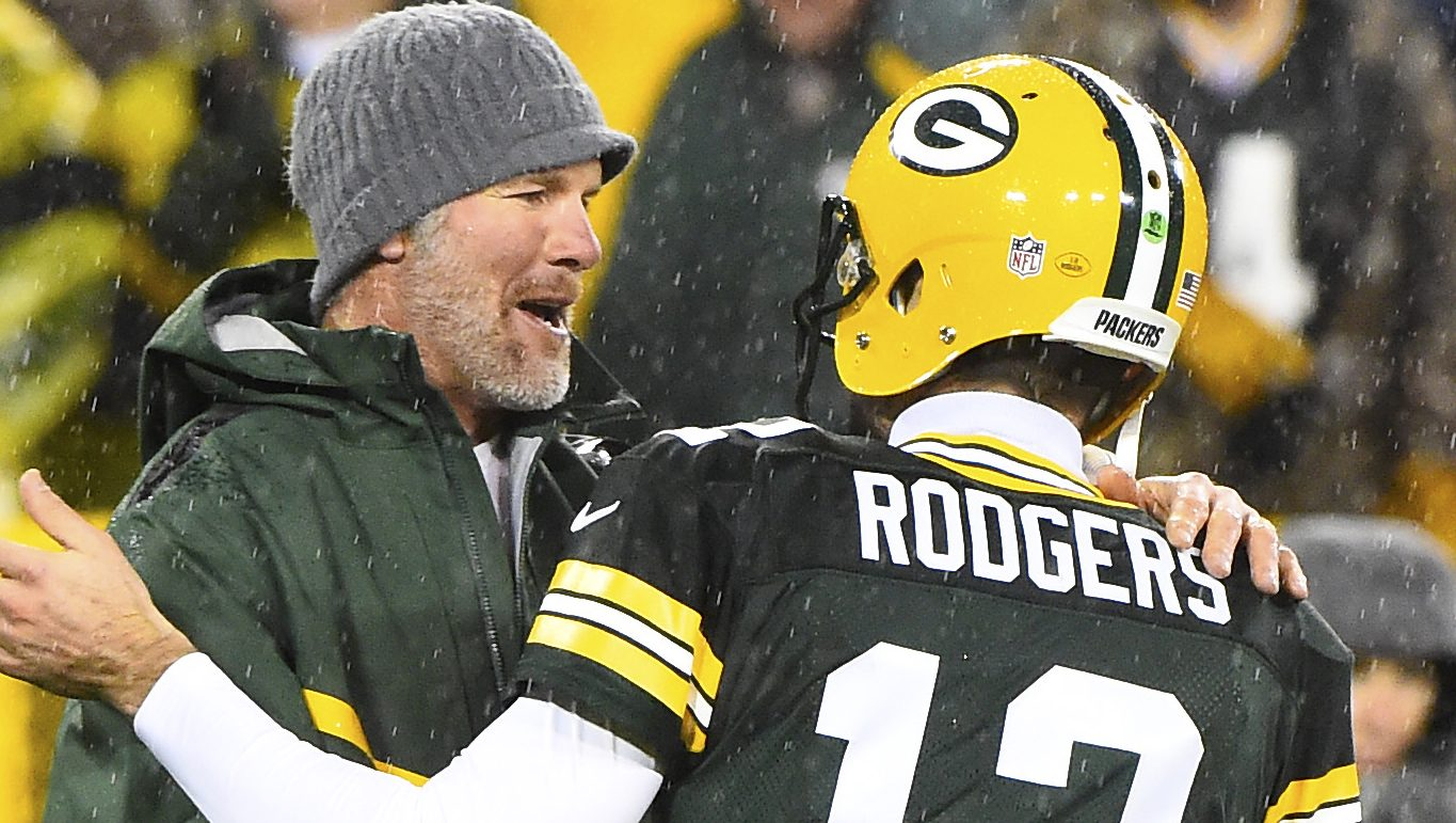 Brett Favre downplays Aaron Rodgers' post-game comments