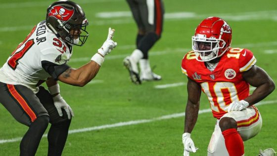 NFL fines Antoine Winfield for taunting Tyreek Hill