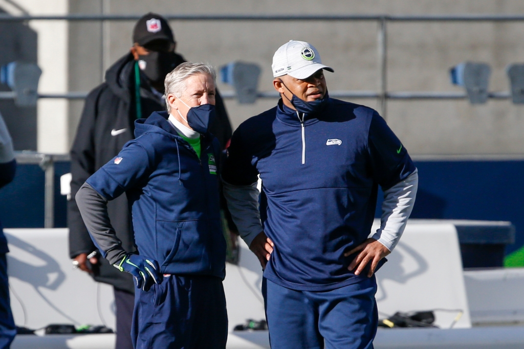 Pete Carroll says all Seahawks coaching staff, all but one player to be vaccinated