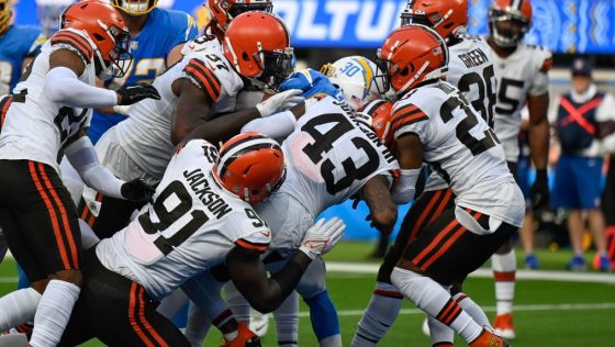 LA Chargers defeat the Cleveland Browns 47-42